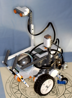 LEGO Mindstorms robot to pick up and move cyrstals